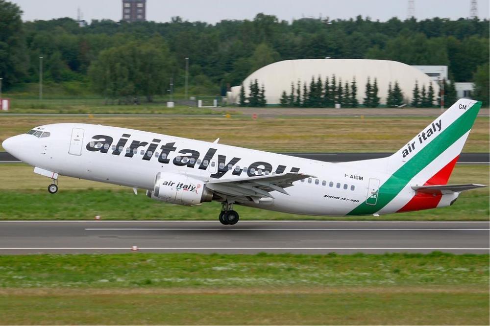 Air_Italy_Boeing_737-300_KvW.jpg