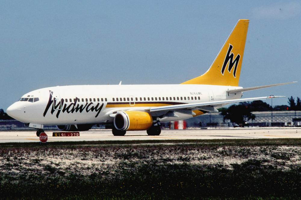 Midway_Airlines_Boeing_737-7BX;_N366ML@FLL,_May_2001_CYI_(5288981052).jpg