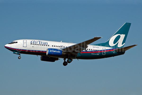 AirTran 737-700 N272AT (04)(Apr) MIA (BD)(HR)-M.jpg