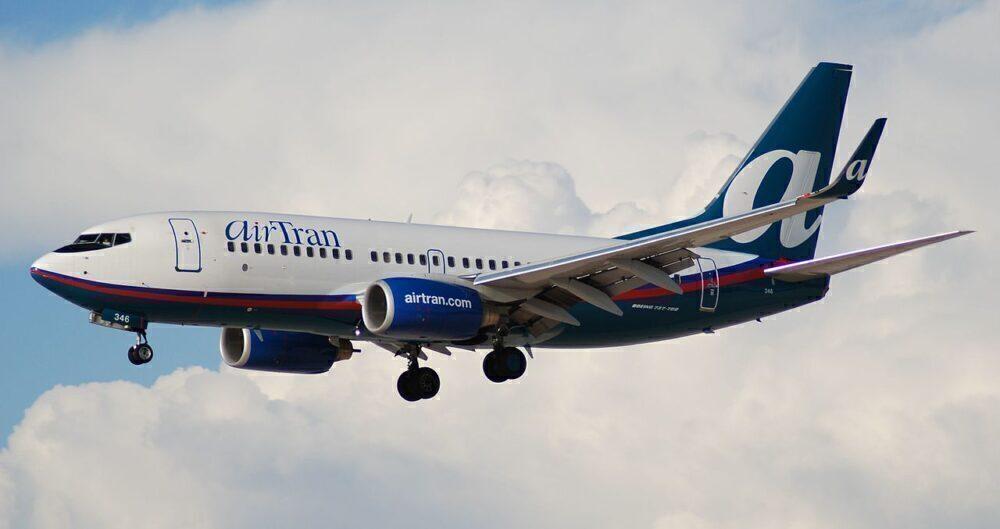 AirTran_Airways_Boeing_737-700_N346AT-1000x529.jpg